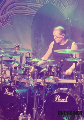 Ensiferum batteur